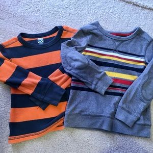 Lot of 2 5T Sweaters